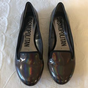 Cosmopolitan Holographic Closed Flats 7.5